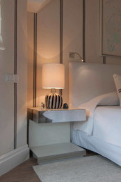 Imagen del dormitorio de una vivienda diseñado por el estudio de interiores y diseño Cristina Arechabala.
