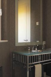 Imagen detalle de pila de baño en vivienda de lujo particular. Diseño del espacio por estudio de arquitectura e interiorismo Cristina Arechabala.