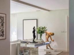 Imagen detalle de un salón en vivienda particular de lujo. Cortesía del estudio de decoración e interiorismo Cristina Arechabala.
