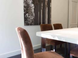 Imagen detalle de mobiliario en oficina. Diseño de interiores por estudio de arquitectura y decoración Cristina Arechabala.