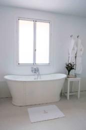Imagen de un cuarto de baño de una vivienda particular por el estudio de arquitectura e interiorismo Cristina Arechabala