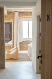 Imagen del mobiliario de una sala de estar en vivienda. Estudio de arquitectura y decoración Cristina Arechabala.