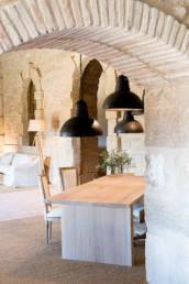 Imagen detalle de mobiliario de exteriores en vivienda particular. Cortesía del estudio de arquitectura e interiorismo Cristina Arechabala.