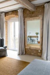 Imagen del interior de una habitación de una vivienda decorada por el estudio Cristina Arechabala.